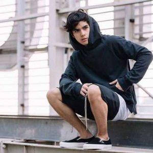 16 Style Pakaian Pria Yang Disukai Wanita Wajib Diikuti