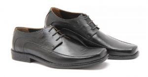 Sepatu kulit Bucheri merupakan merk sepatu kulit berkualitas yang berasal  dari Indonesia yang juga terkenal dengan kualitas dan keawetannya. c23bb60535